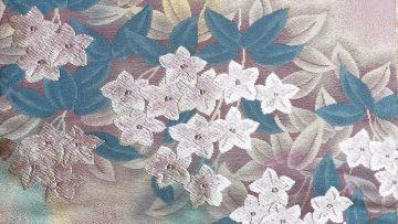 Motif Kimono Kikyo (Bellflower)
