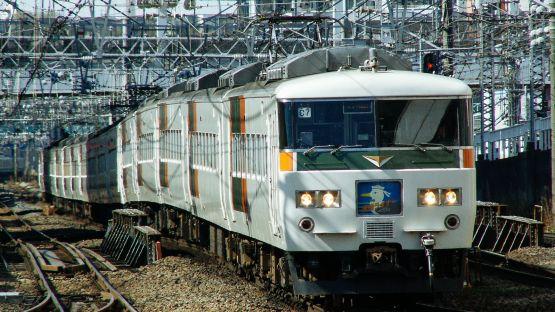 otaku kereta jepang japanesestation.com