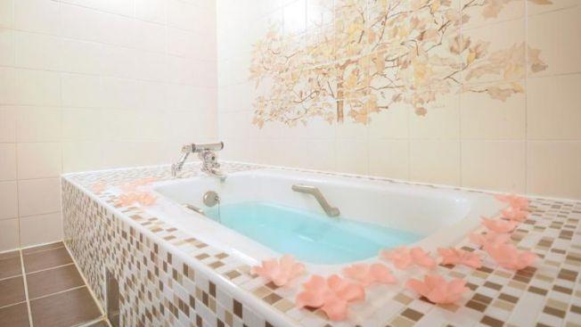 Kamar mandi di Namba Mickey Cookies (tsunagujapan.com)