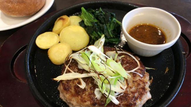 Japanese-style Hamburger Steak di Denny's. (wow-j.com)