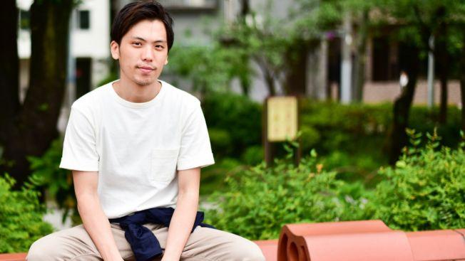 Jika udara panas, ikatkan jaket di pinggangmu. (matcha-jp.com)