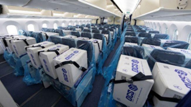 Box berisi peralatan medis dalam pesawar ANA. (soranews24.com)