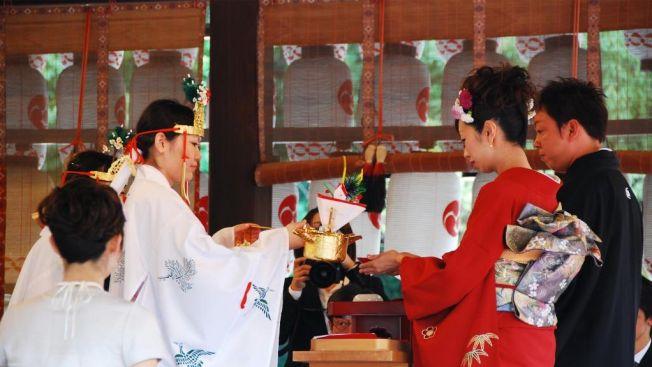 Upacara Pernikahan (japanbullet.com)