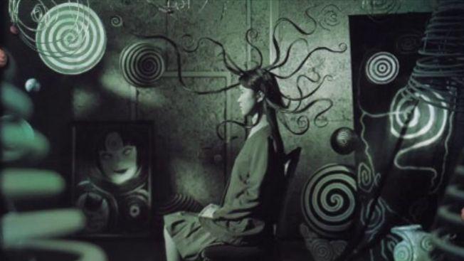 Poster film Uzumaki 2000 (youtube: BoneNodle)