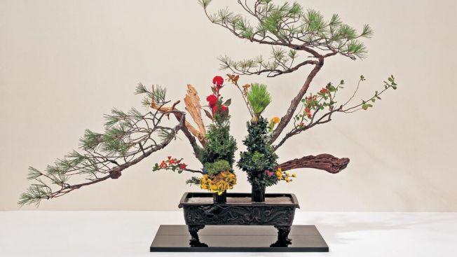 ikebana seni merangkai bunga japanesestation.com
