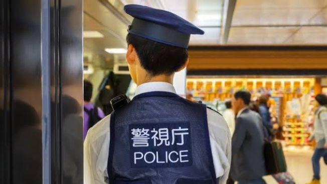 Seorang anak jepang mencuri senjata dari polisi untuk melakukan bunuh diri japanesestation.com