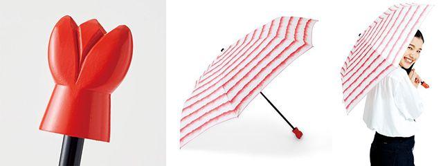 Gagang payung yang mirip ekor udang dan desain stylish ketika dibuka. (grapee.jp)