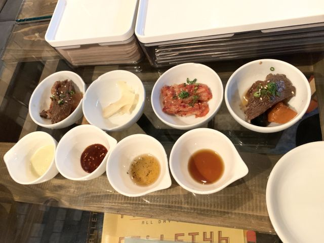 Aneka saus dan makanan pembuka (soranews24.com)
