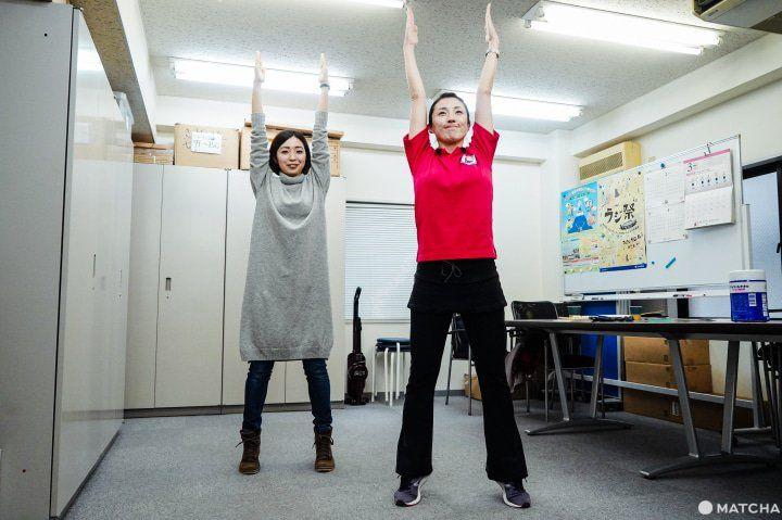 Gerakan kedua untuk meningkatkan refleks. (matcha-jp.com)
