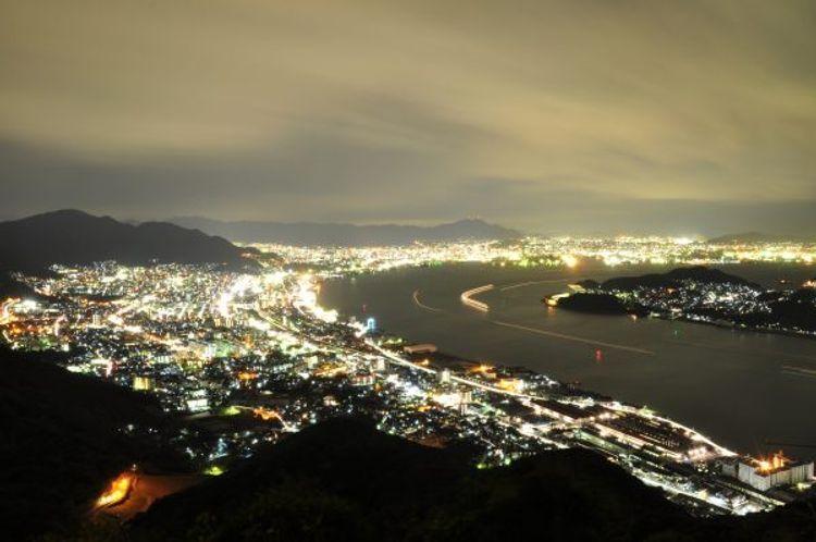 Gunung Kazashi (tsunagujapan,com)