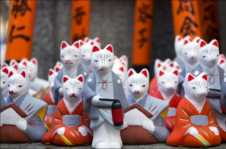 Patung rubah Inari (tsunagujapan.com)