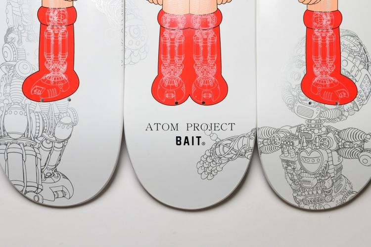 BAIT x Astro Boy x Atom Project Glow in the Dark Skate ( BAIT )
