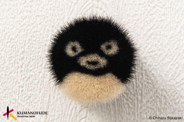 Suica Penguin sebagai model brush (grapee.jp)