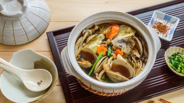 Chankonabe, makanan wajib atlet sumo Jepang (theculturetrip.com)