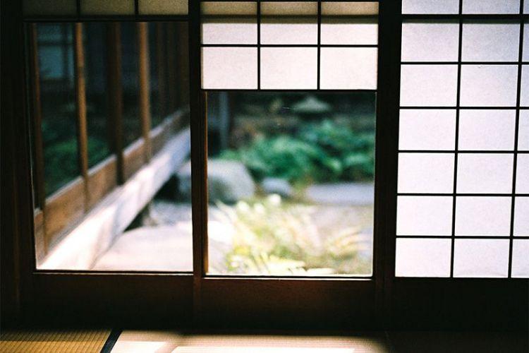 yukimi shōji (nippon.com)