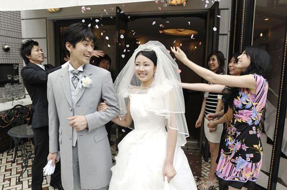 Pesta pernikahan (ealestate-tokyo.com)