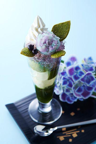 Matcha parfait menyerupai bunga hydrangea (grapee.jp)