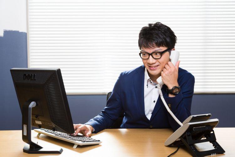 Ilustrasi operator telepon (pakutaso.com)