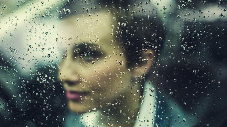 Makeup dan Produk Rambut untuk Musim Hujan (savvytokyo.com)