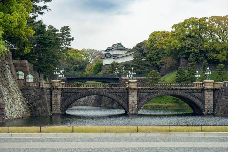 Suasana dari Tokyo Imperial Palace  ( OSCAR BOYD )