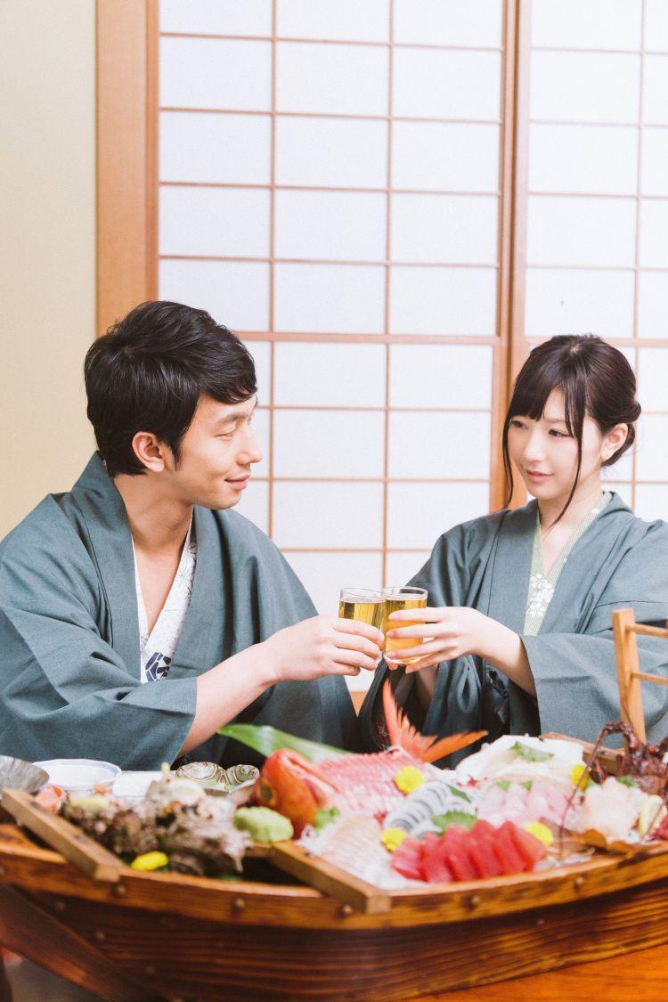 membayar saat kencan japanesestation.com