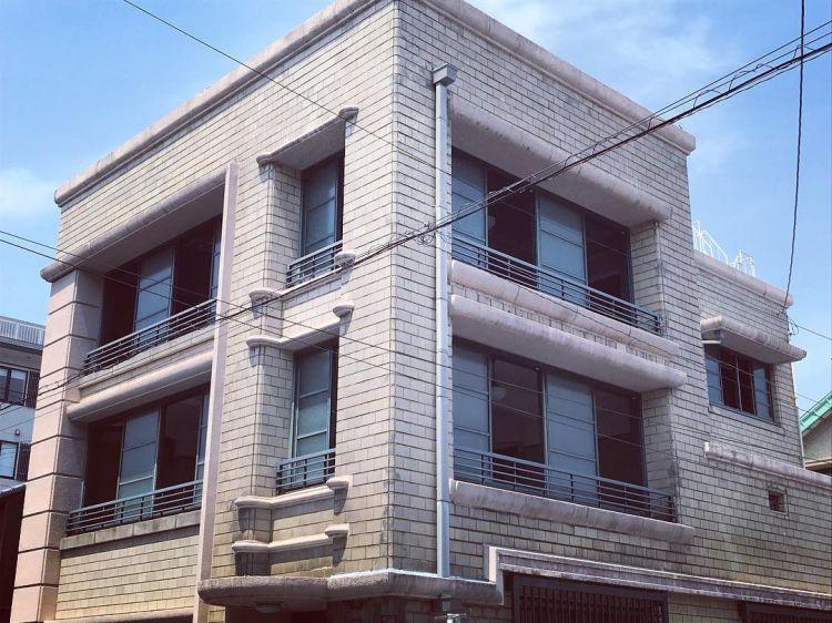 Bangunan Modern