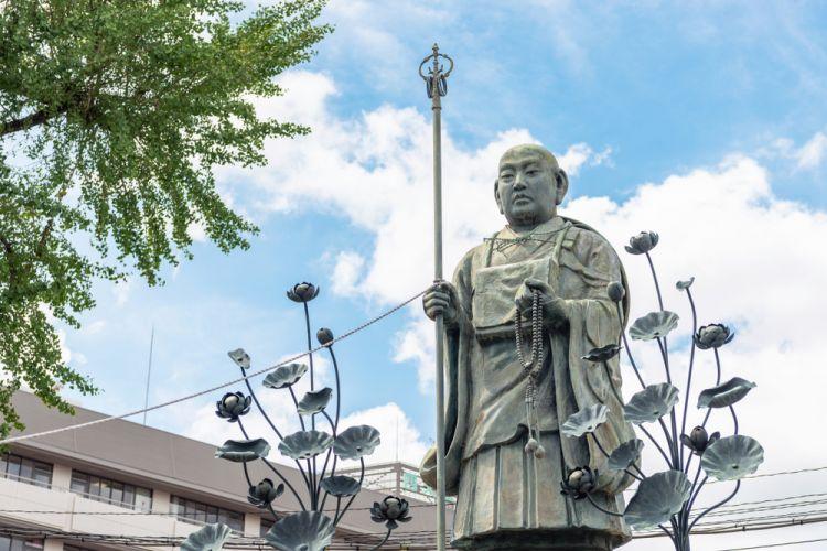 biksu Buddha terkenal di Jepang japanesestation.com