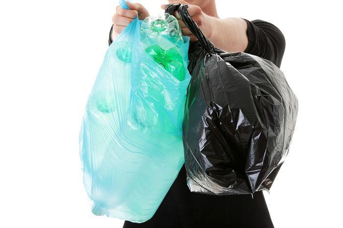 Membuang Sampah