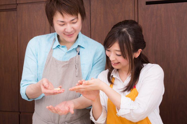 pasangan Jepang gaji japanesestation.com