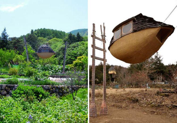 Flying Mud Boat by Terunobu Fujimori
