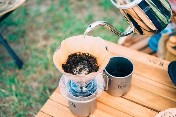 menyeduh kopi di gunung Fuji