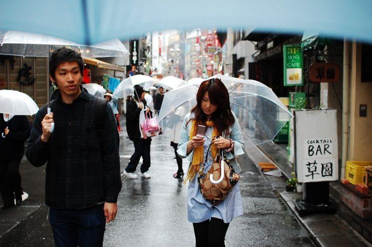 Etika Menggunakan Payung