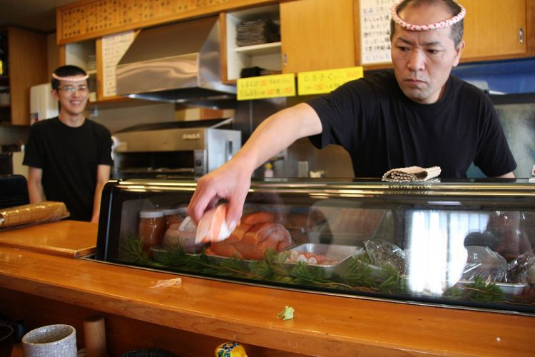 sushi nigiri jepang hand-made japanesestation.com
