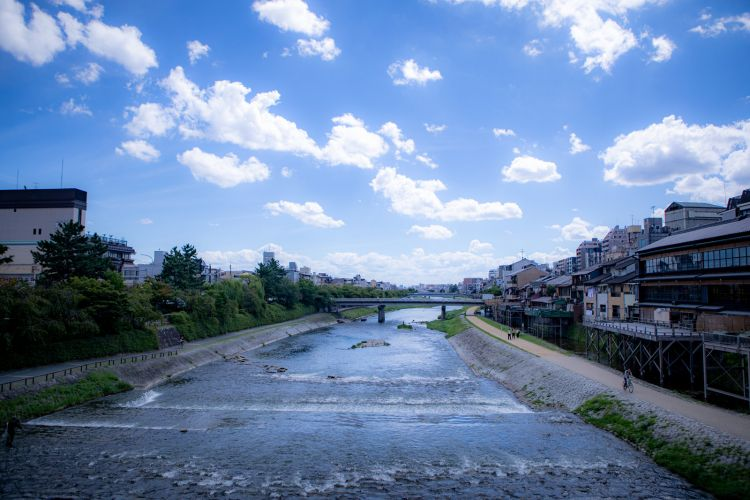 sungai kamogawa kyoto japanesestation.com