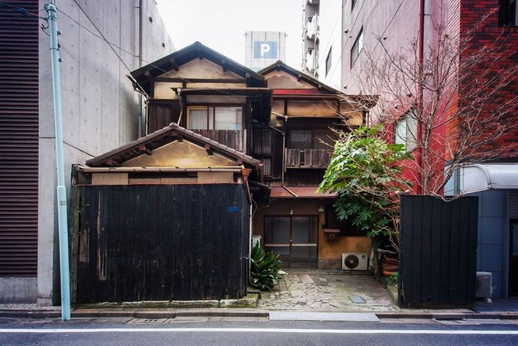 Properti di Jepang