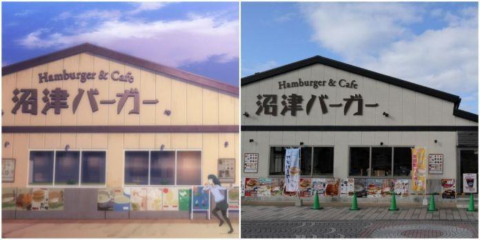 Yoshiko di depan Numazu Hamburger & Cafe dalam Love Live! Sunshine!!