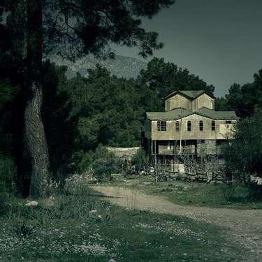 Mansion Berhantu
