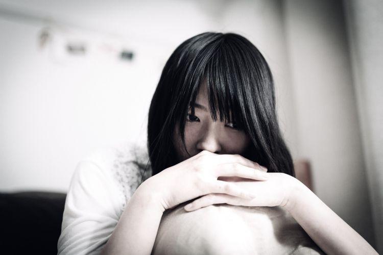 wanita Jepang muda stress japanesestation.com