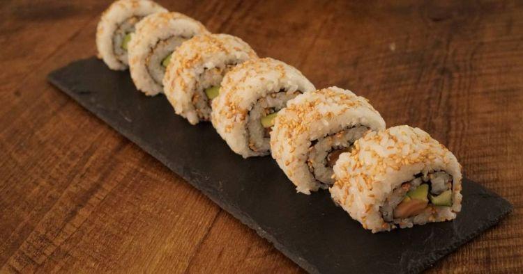 Sushi uramaki