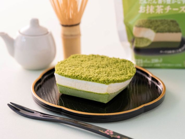 Uji Matcha Cheesecake Family Mart