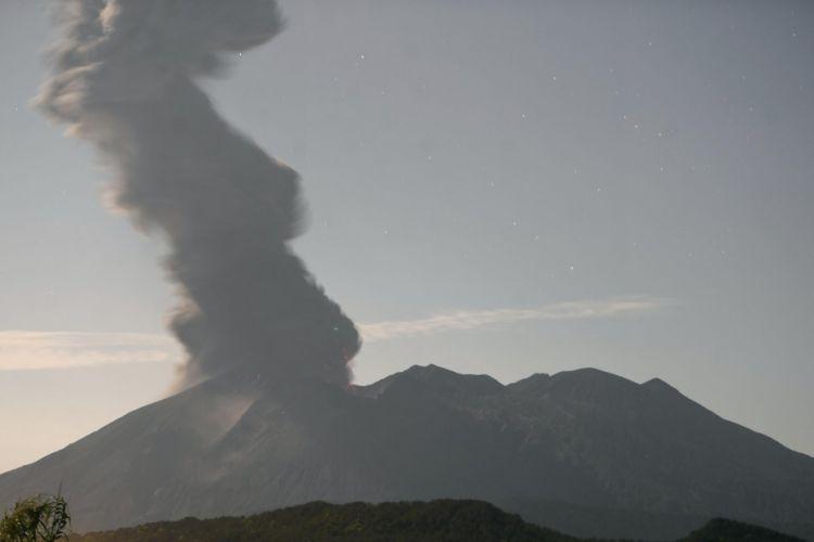 Gunung berapi sakurajima erupsi, dilaporkan tidak ada korban jiwa japanesestation.com